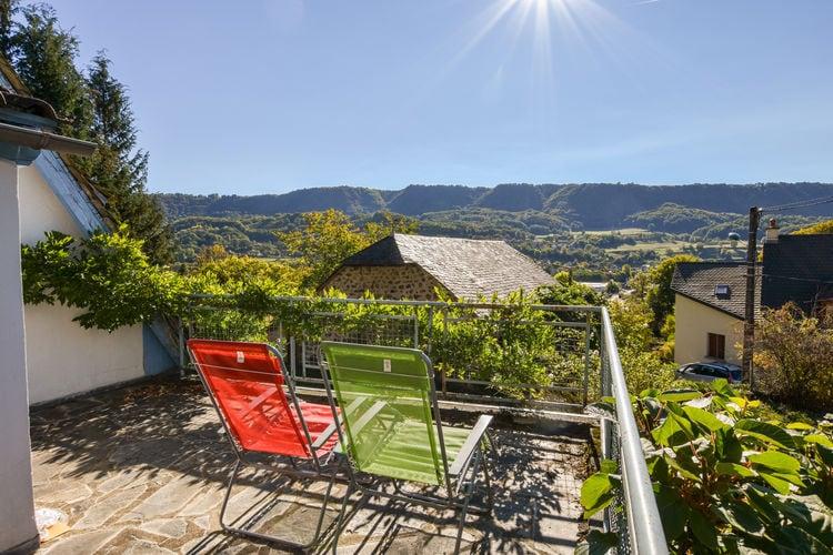 Vakantiehuizen Frankrijk | Auvergne | Vakantiehuis te huur in Vic-Sur-Cere   met wifi 6 personen