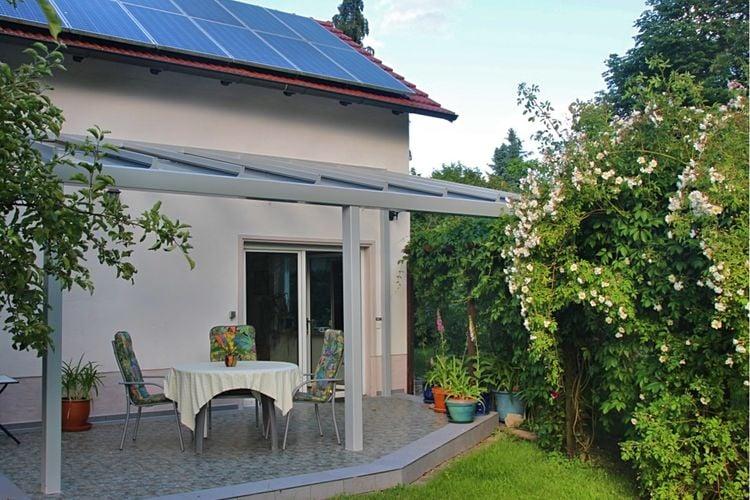 Vakantiewoning  met wifi  Wriezen-Frankenfelde  Ruim vakantiehuis in Frankenfelde met groot terras en prachtig uitzicht