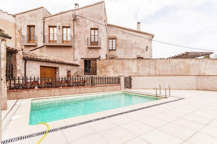 Vakantiehuizen Spanje | Catalunia | Vakantiehuis te huur in Maians-Castellfollit-del-Boix met zwembad   5 personen