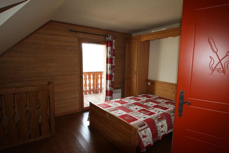 Ref: FR-04400-13 2 Bedrooms Price