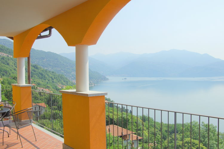 Appartement met zwembad   Italiaanse MerenVigna Quadri 6 più 2 -  E21