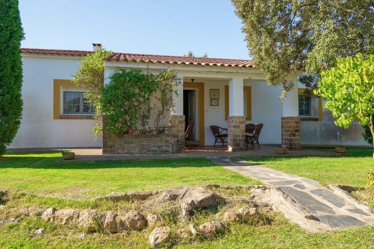 Vakantiehuizen Spanje | Extramadura | Vakantiehuis te huur in Herrera-de-Alcantara met zwembad   6 personen