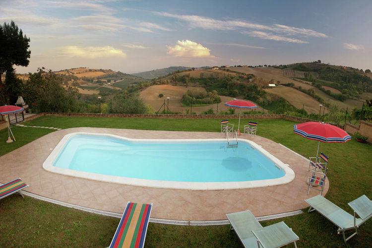 Vakantiehuizen Italie | Marche | Boerderij te huur in Montecarotto met zwembad  met wifi 5 personen