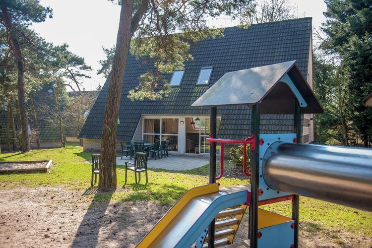 Villa met zwembad met wifi  Oosterhout  Vakantiepark de Katjeskelder 1