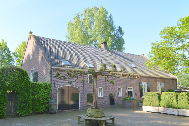 Noord-Brabant Boerderijen te huur Achterhuis van een boerderij in Loon op Zand nabij de Loonse en Drunese Duinen