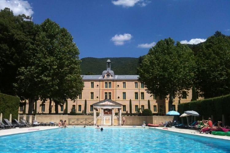 Vakantiehuizen Frankrijk | Drome | Kasteel te huur in Montbrun-Les-Bains met zwembad  met wifi 4 personen