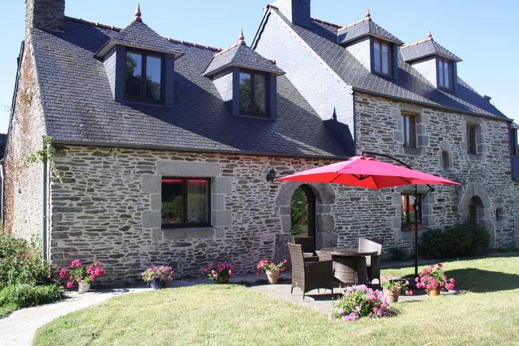 Frankrijk Boerderijen te huur Uniek 17e-eeuws vakantiehuis met fijne tuin in het hart van Bretagne