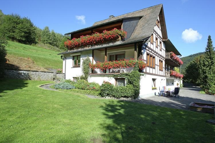 Appartement  met wifi  Schmallenberg-Oberkirchen  Gezellig appartement met balkon aan de rand van het Rothaargebergte