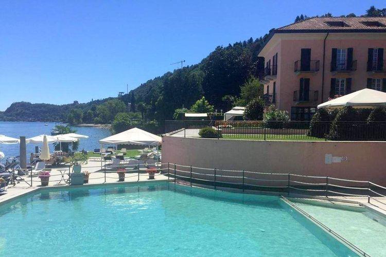 Appartement met zwembad met wifi  MeinaAntico Trilo Cinque