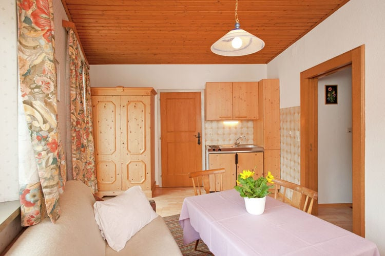 Ref: AT-5723-07 5 Bedrooms Price