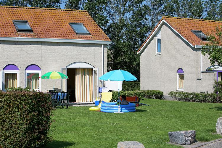 Bungalow  met wifi aan zee Renesse  Geschakelde villa met slaap- en badkamer op de begane grond, gelegen op park op 500 m. van zee