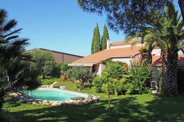 Villa met zwembad met wifi  Bravone  Een verwarmd zwembad, airco in de villa en maar 1,5 km van het grote strand!