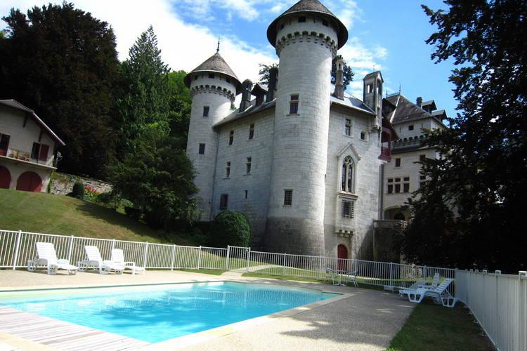 Kasteel huren in Rhone-alpes - met zwembad  met wifi met zwembad voor 6 personen  Heeft u wel eens vorstelijk vakant..