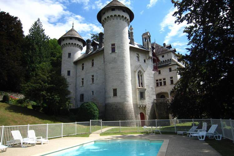 Kasteel huren in Rhone-alpes - met zwembad  met wifi met zwembad voor 6 personen  Dit appartement (115m2) is volledi..