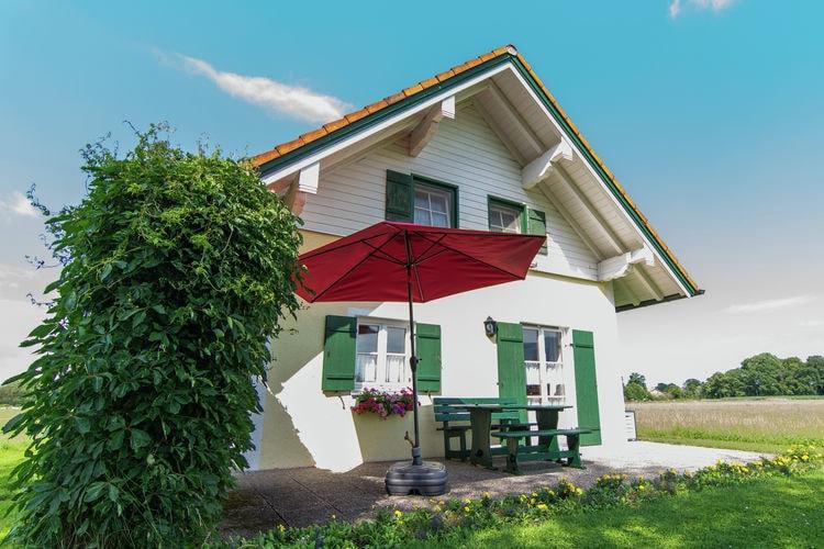 Duitsland | Beieren | Vakantiehuis te huur in Ubersee met zwembad  met wifi 5 personen
