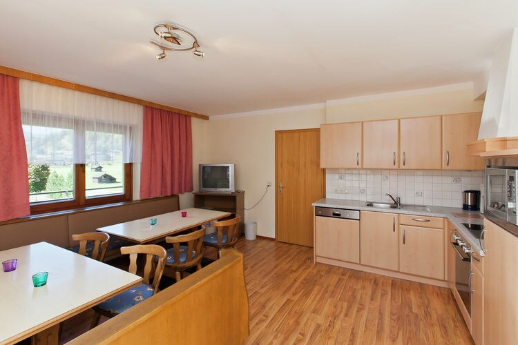 Ref: AT-5753-18 6 Bedrooms Price