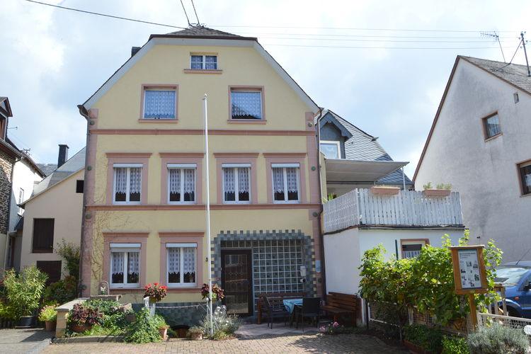 Duitsland | Moezel | Vakantiehuis te huur in Zeltingen-Rachtig   met wifi 8 personen