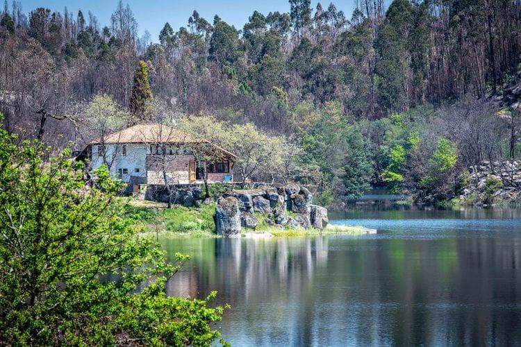 Vakantiehuizen Portugal | Centraal-Portugal | Vakantiehuis te huur in Treixedo met zwembad  met wifi 6 personen