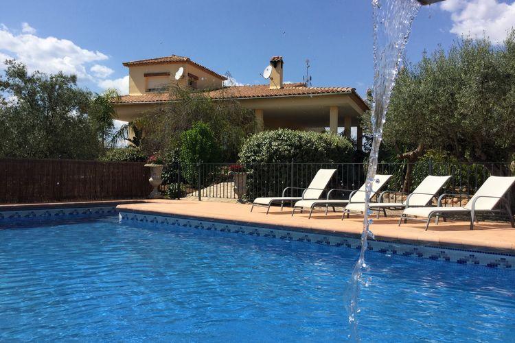 Vakantiewoning met zwembad met wifi  Chella  Comfortabel vakantiehuis met privé zwembad op een 1,5ha olijfboomgaard