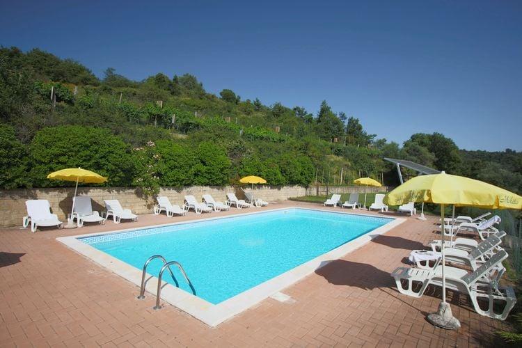 Boerderijen Italie | Umbrie | Boerderij te huur in Paciano met zwembad  met wifi 4 personen
