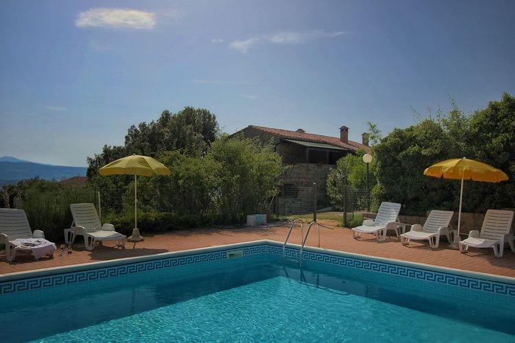 Italie | Umbrie | Boerderij te huur in Paciano met zwembad  met wifi 4 personen