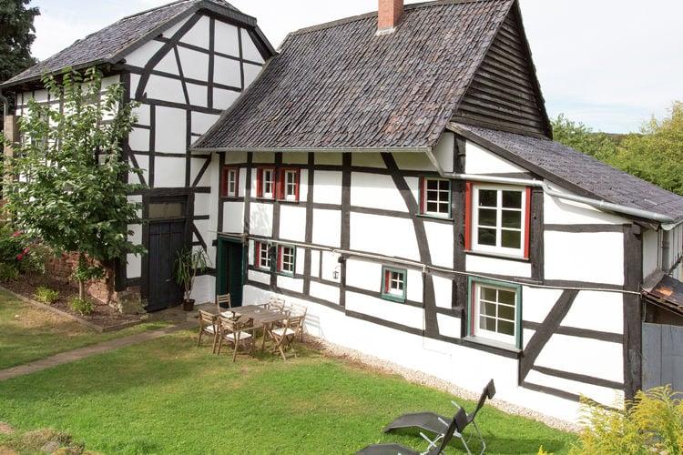Vakantiewoning    Heimbach  In het groen gelegen, voormalige watermolen in vakwerkstijl.