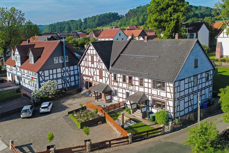 Hessen Vakantiewoningen te huur Vrijstaand vakantiehuis voor groepen in Ober-Waroldern incl. sauna en tuin