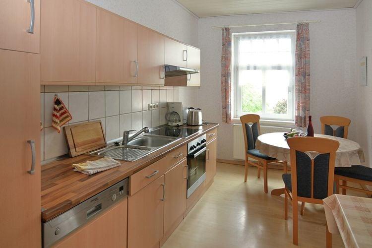 Boerderij Duitsland, Nedersaksen, Trendelburg-Friedrichsfeld Boerderij DE-34388-02