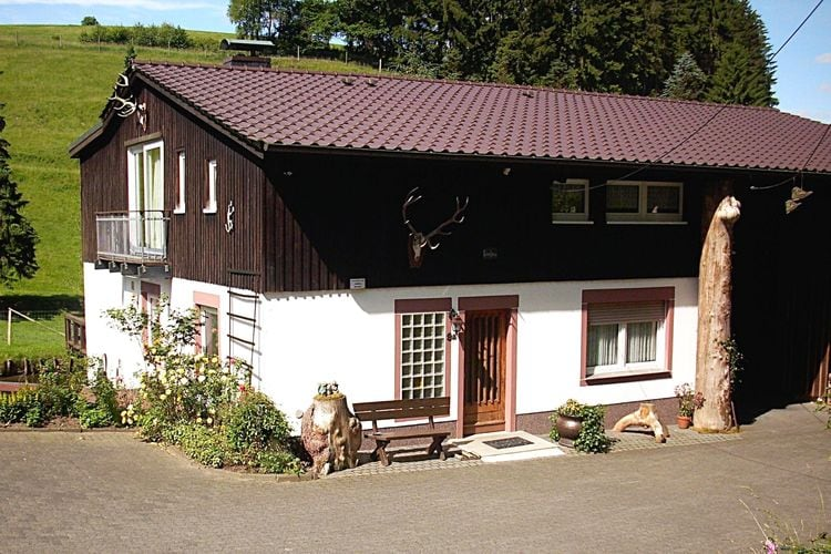 Lennestadt Vakantiewoningen te huur Rustig appartement, idyllisch gelegen aan de rand van het bos in het Sauerland
