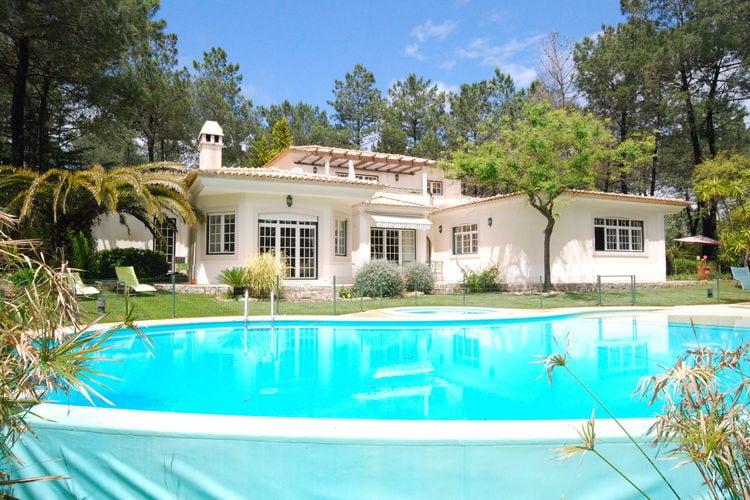 Portugal | Lisboa | Villa te huur in Quinta-do-Conde met zwembad  met wifi 8 personen