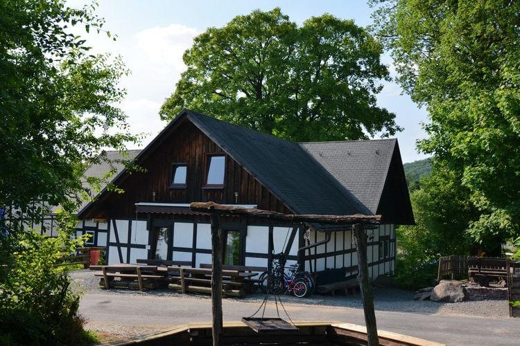 Vakantiehuizen Duitsland | Sauerland | Vakantiehuis te huur in Meschede-Vellinghausen met zwembad  met wifi 8 personen