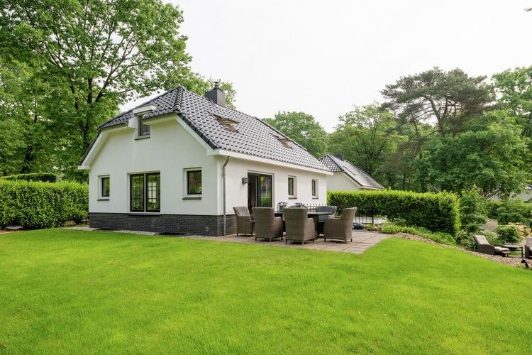 Villa met zwembad met wifi  Lunteren  Luxe vakantiewoning met eigen wellnessfaciliteiten op vakantiepark midden in de Veluwse bossen