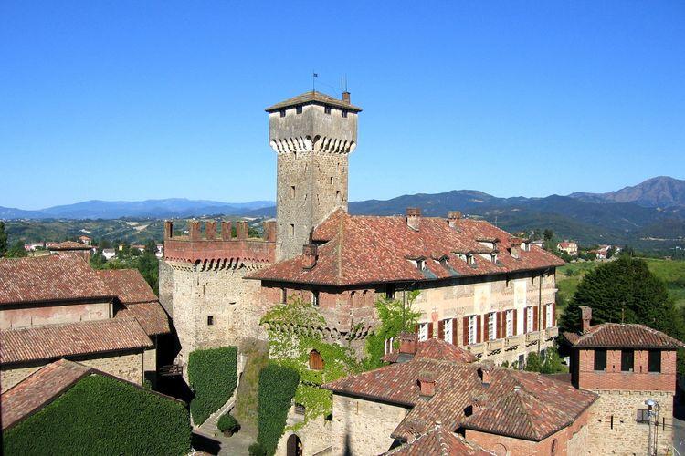 Guesthouse in middeleeuwse borgo naast kasteel in wijnregio