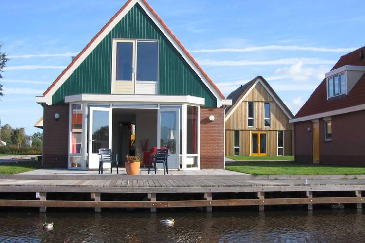 Villa  met wifi  Heeg  Watersportpark De Pharshoeke 1