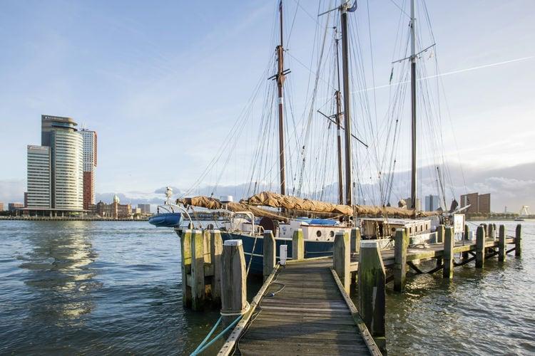 Rotterdam Vakantiewoningen te huur In de winter ligt de Catherina in hartje Rotterdam