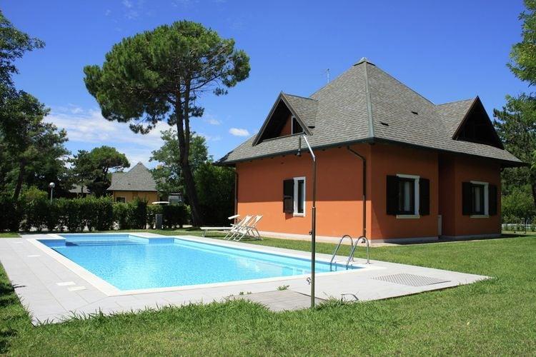 Villas Italie | Veneto | Villa te huur in Albarella met zwembad   8 personen