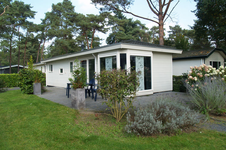 Vakantiehuizen Nederland | Gelderland | Chalet te huur in Lochem met zwembad  met wifi 4 personen