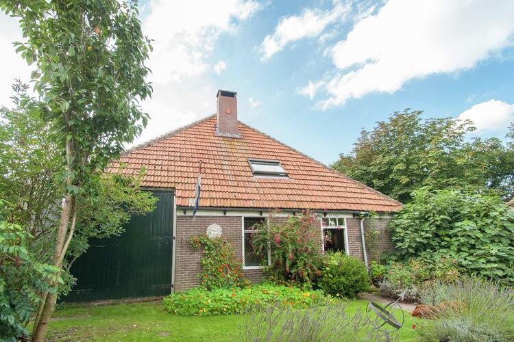 Nederland Boerderijen te huur Deze authentieke Westfriese stolpboerderij is gelegen in Callantsoog, Noord Holland.