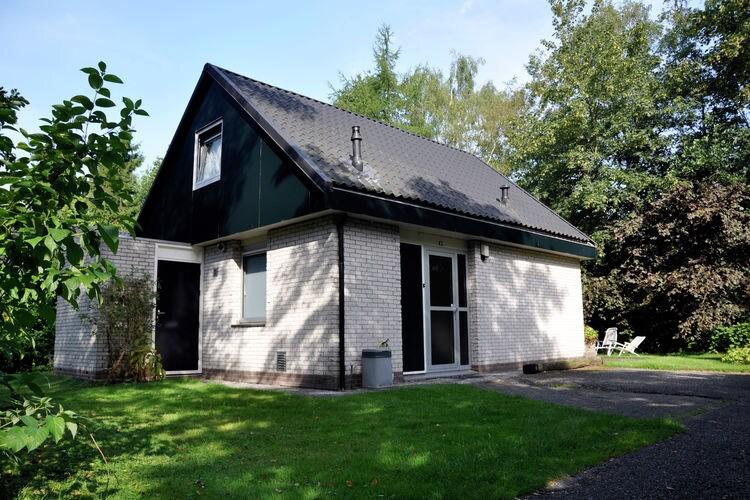 Noordwolde Vakantiewoningen te huur Royale vrijstaande, comfortabele bungalow met veel rust en privacy