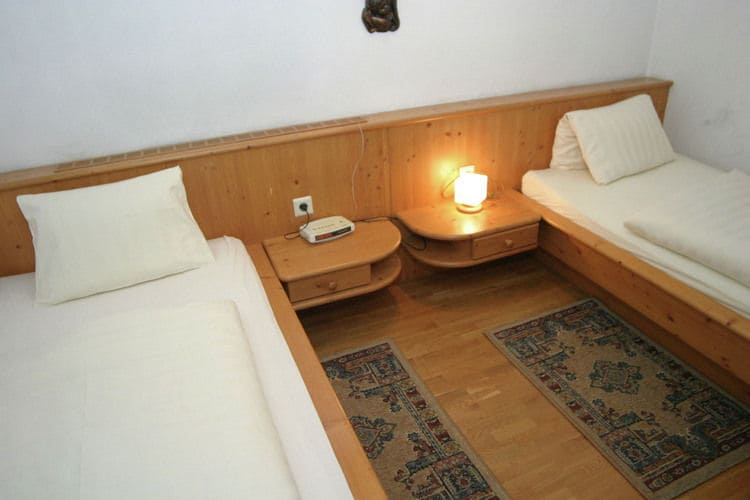 Ref: AT-5541-35 3 Bedrooms Price