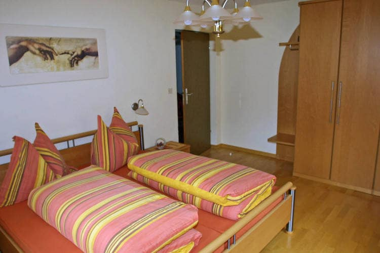Ref: AT-9931-01 4 Bedrooms Price