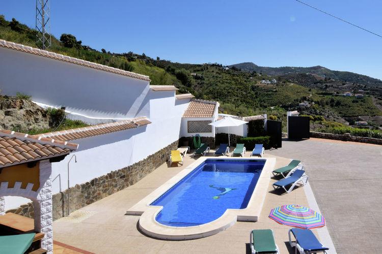 Spanje | Costa-del-Sol | Villa te huur in Sayalonga met zwembad  met wifi 12 personen