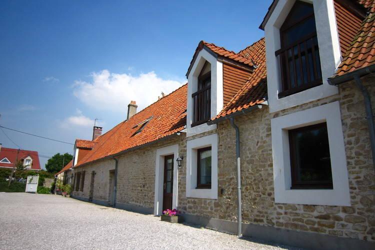 Boerderij huren in Picardie -   met wifi  voor 2 personen  Midden in het rustige dorpje Berne..