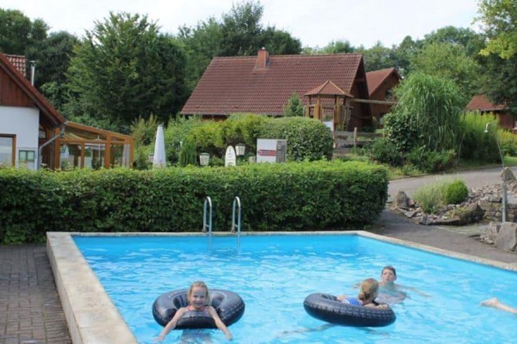 Vakantiehuizen Duitsland | Teutoburgerwoud | Appartement te huur in Brakel-Bellersen met zwembad  met wifi 5 personen