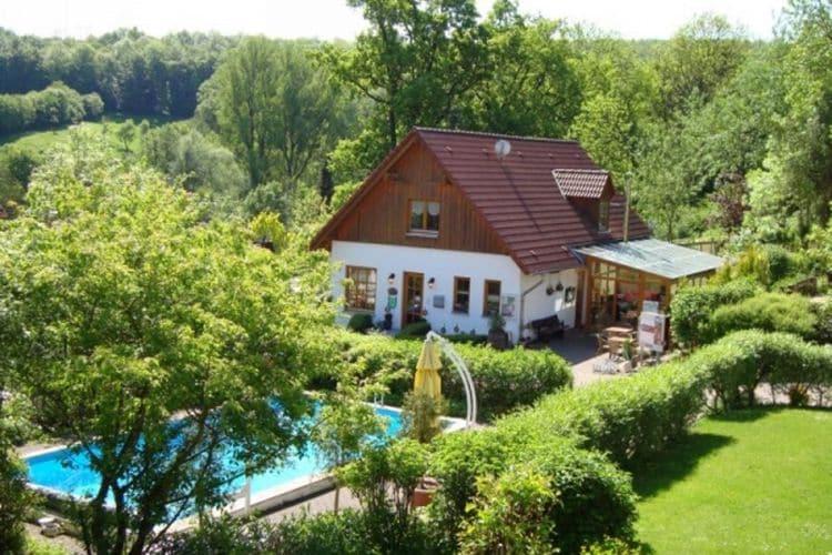 Vakantiehuizen Duitsland | Teutoburgerwoud | Appartement te huur in Brakel-Bellersen met zwembad  met wifi 3 personen