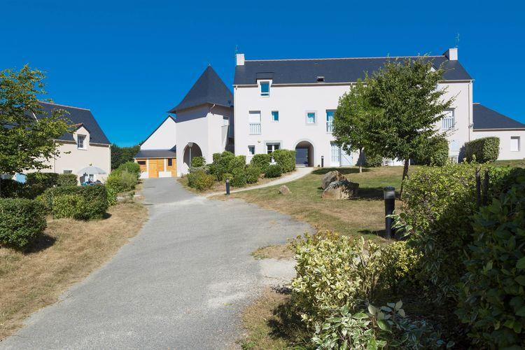 Vakantiehuizen Frankrijk | Bretagne | Vakantiehuis te huur in Le-Tronchet met zwembad  met wifi 4 personen