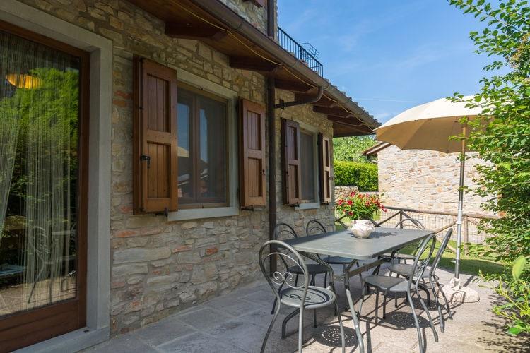 Italie / Toscana | Vakantiehuis met zwembad met wifi  - Dicomano  Casa Mario
