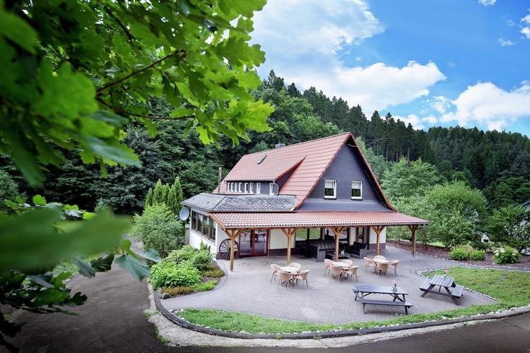 Villa huren in Westerwald -   met wifi  voor 21 personen  Aan de bosrand van het dorpje Schu..