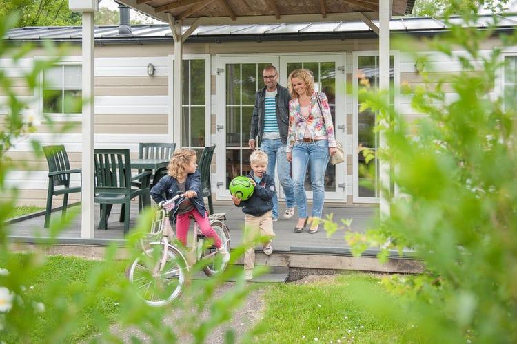 Zeeland Chalets te huur Comfortabel ingerichte mobilhome, gelegen op zeer veelzijdig vijf-sterren-park