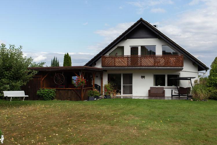 Steinheim- Vinsebeck Vakantiewoningen te huur Licht en modern appartement met balkon aan de voet van het Teutoburger Wald